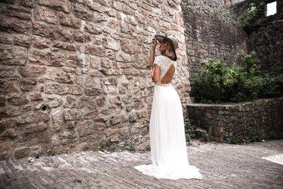 Seidige Brautmode