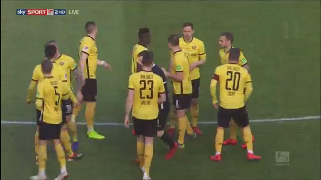 17-02-2019 - SG Dynamo Dresden 0-0 SSV Jahn Regensburg (2. BUNDESLIGA)